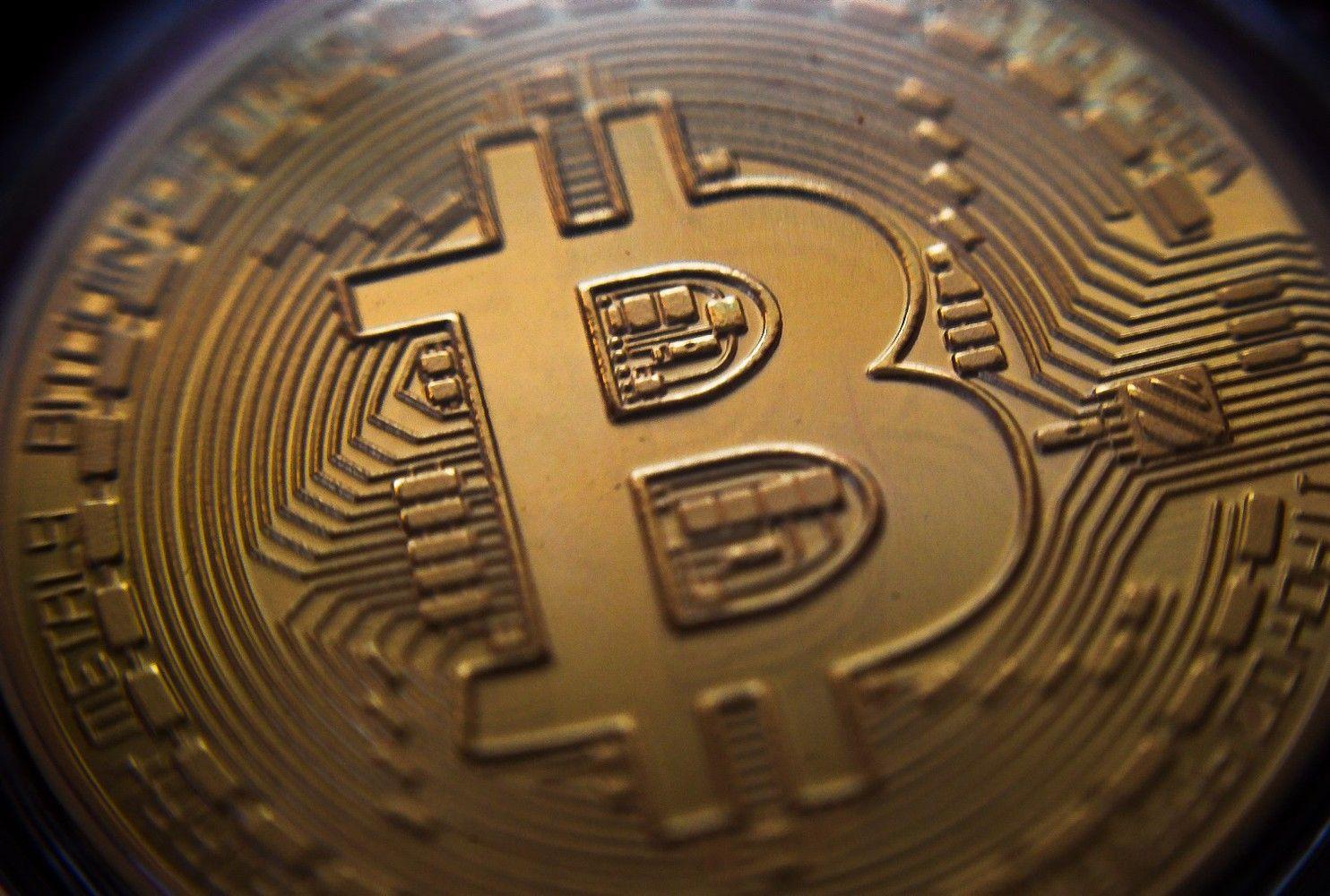 Bitkoinas taikosi papenkiagubėti