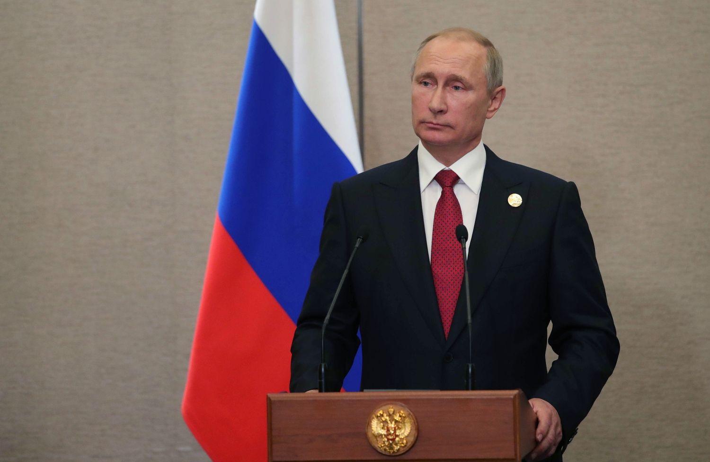 Putinas kol kas nekeršys Vašingtonui už Rusijos konsulato uždarymą