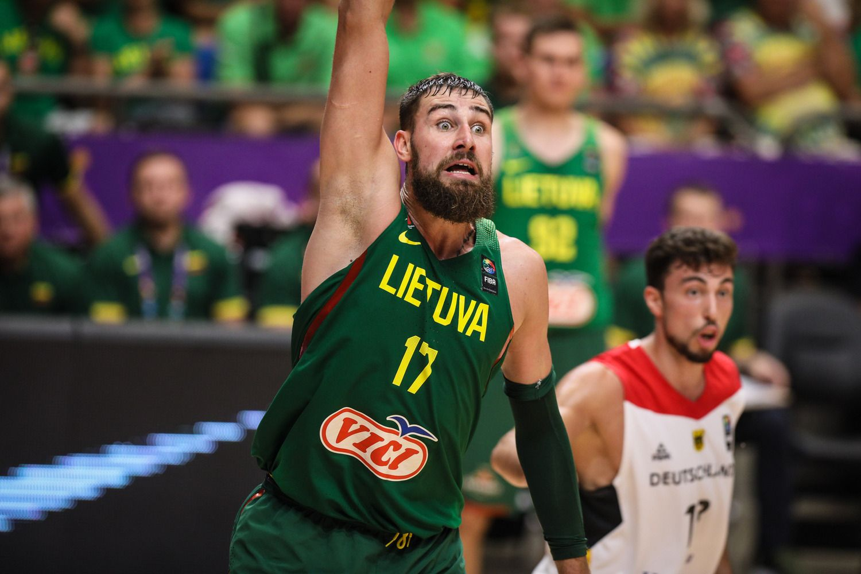 Lietuvos rinktinėnugalėjo Vokietiją, 8-finalyje susitiks su Graikija