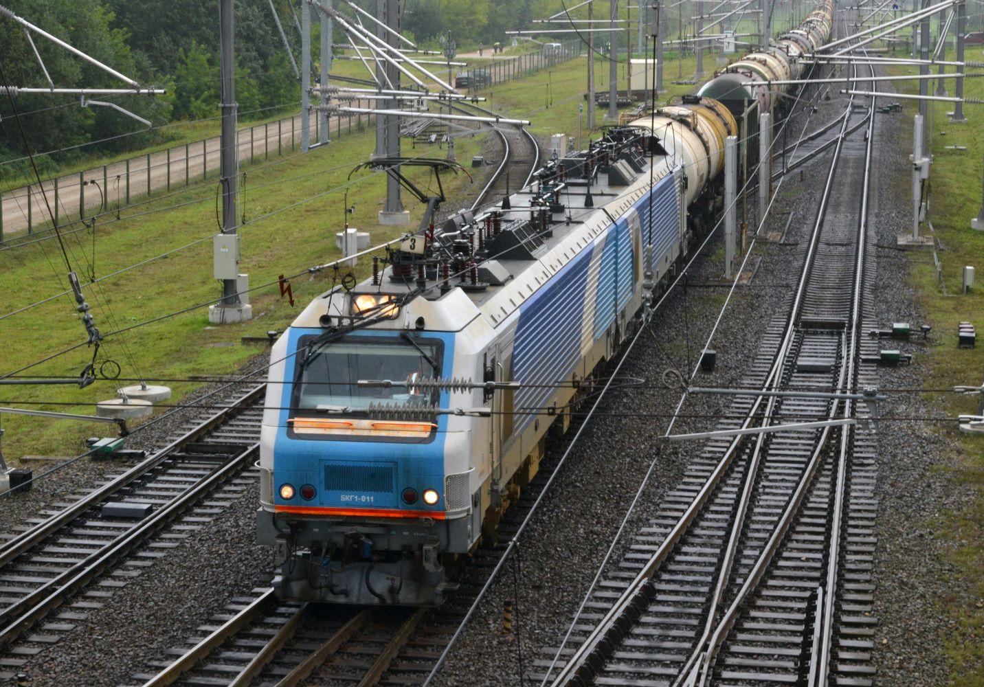 Į Lietuvą atriedėjo pirmas elektrovežisiš Baltarusijos