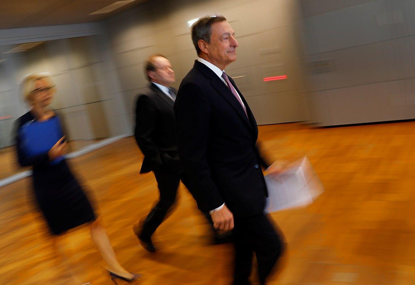 ECB susirūpino dėl stipraus euro