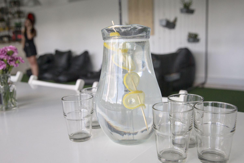 Stalo vandens efektas verslui