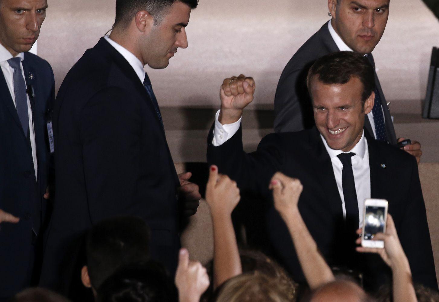 Macronas Graikijoje pažadėjo ambicingas euro zonos reformas