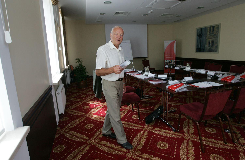 """Viešbučius valdančiai """"Centrum"""" VMI priskaičiavo 0,3 mln. Eur mokesčių"""