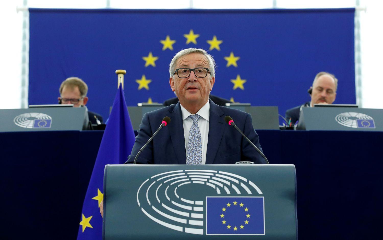 Junckeriui atrodo, kad ES vadovauja per daug galvų