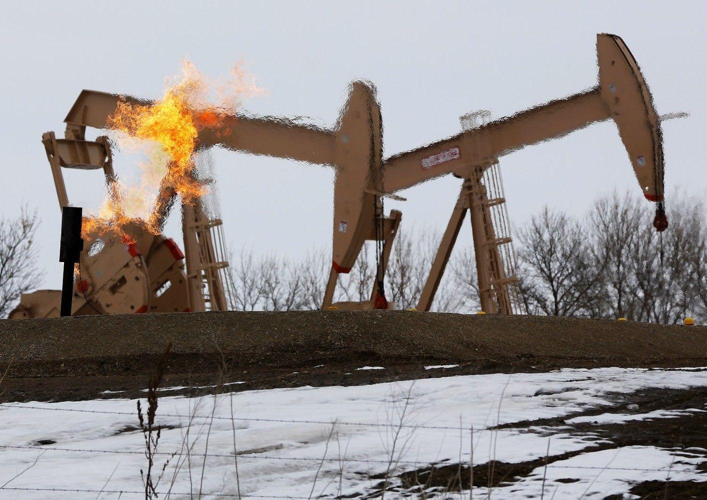 """JAV naftos sektorius """"bado žaidynių"""" nepabūgo"""