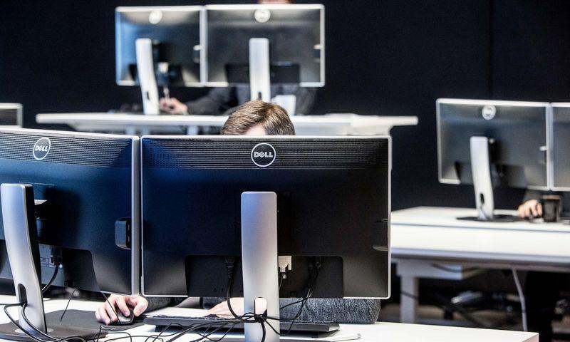 """""""Infobalt"""" skaičiuoja, kad iki 2020 m. Lietuvoje programuotojų poreikis išaugs 83% ir rinkai reikės papildomų 11.000 specialistų. Juditos Grigelytės (VŽ) nuotr."""