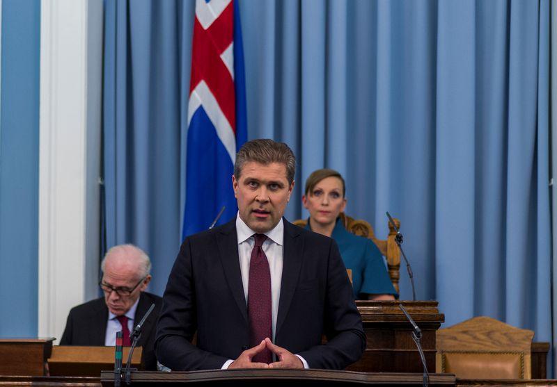 """Bjarnis Benediktssonas, Islandijos premjeras. """"Reuters / """"Geirix"""" / """"Scanpix"""" nuotr."""