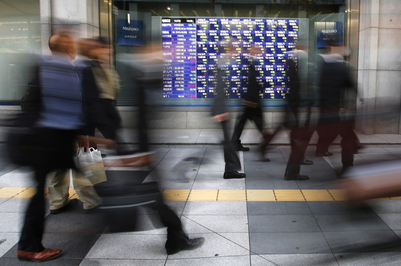 Stocks Climb in Asia; Yen Falls as Havens Retreat: Markets Wrap