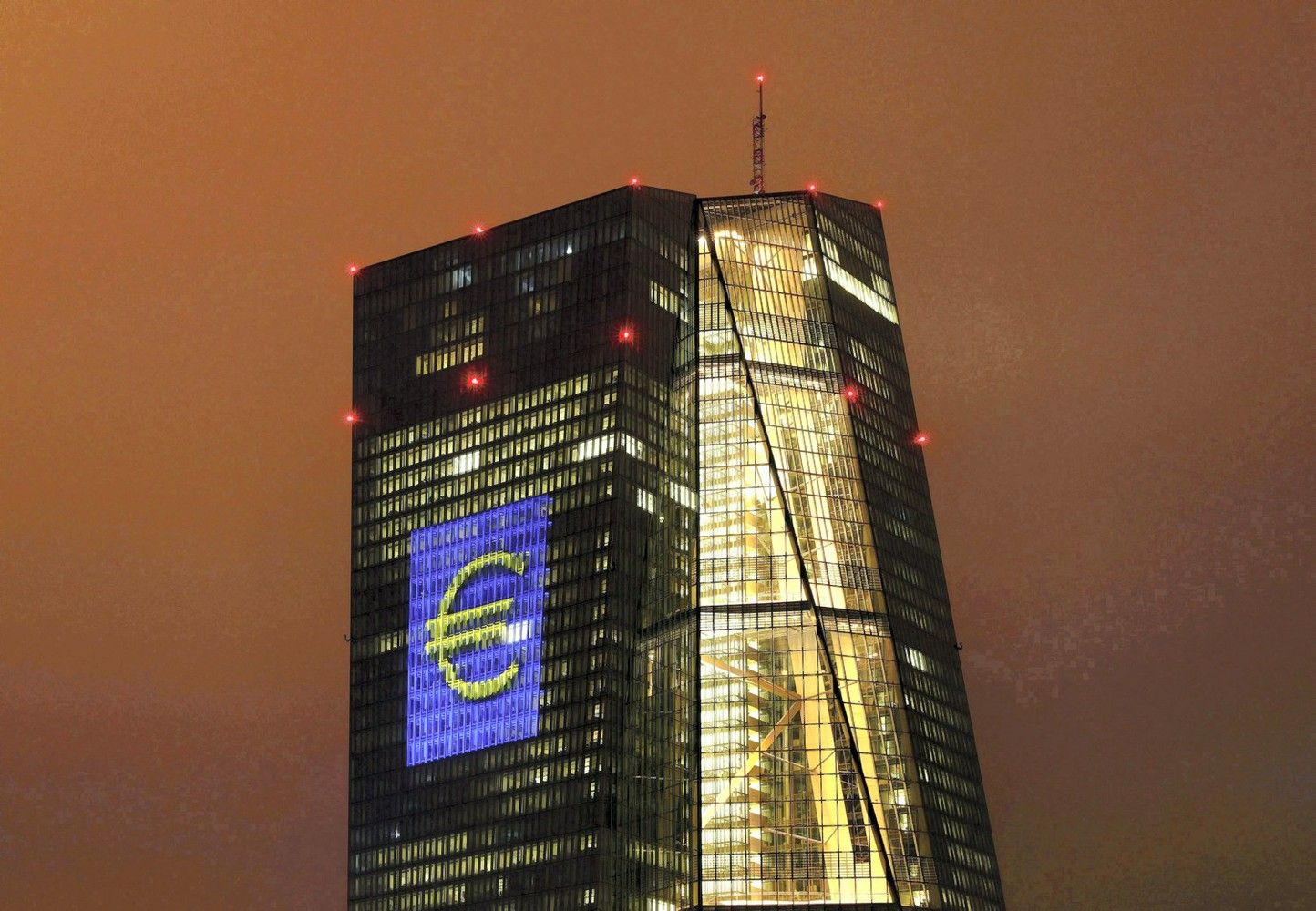 ECB sudarys savo naują palūkanų normą