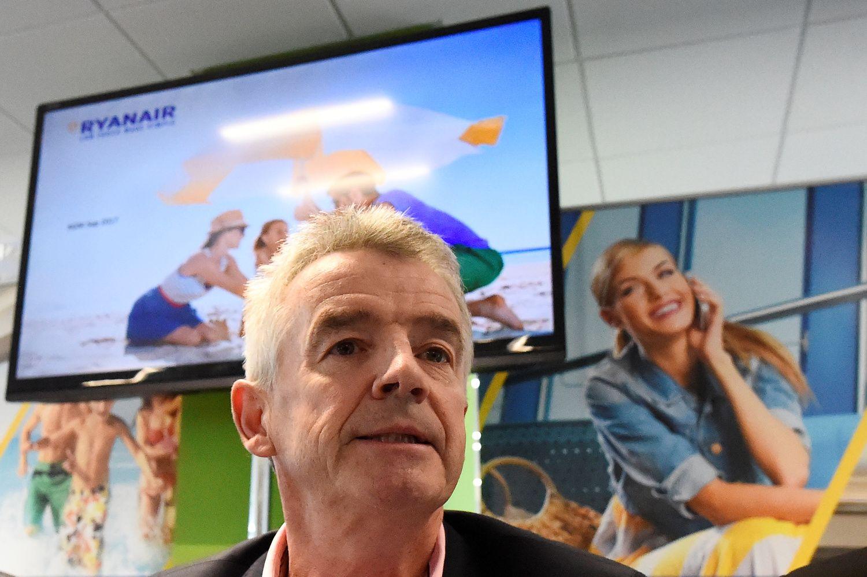 """""""Ryanair"""" vadovas pripažįsta asmeniškai suklydęs, bet ramina dėl pelno"""