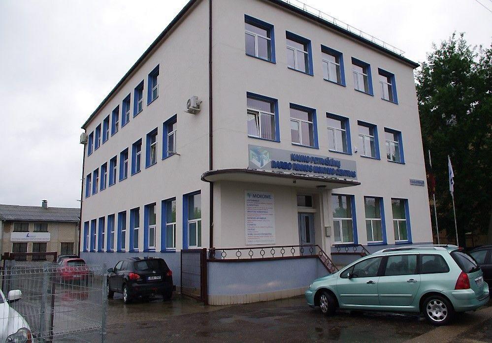 Valstybė parduoda Kauno Petrašiūnų darbo rinkos mokymo centrą