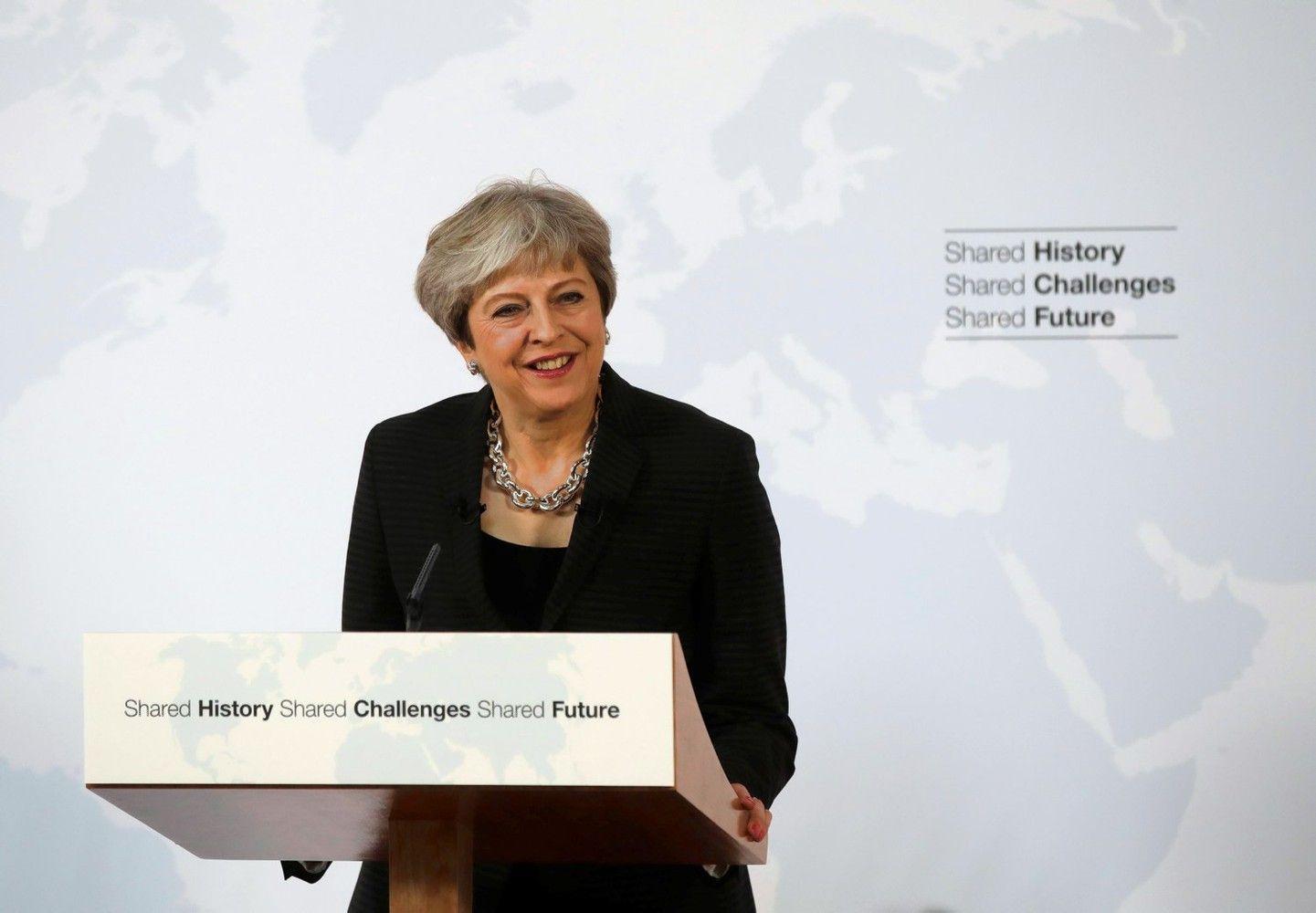 May pažadėjo mokėti į ES biudžetą iki 2020-ųjų, pasiūlė pereinamąjį laikotarpį