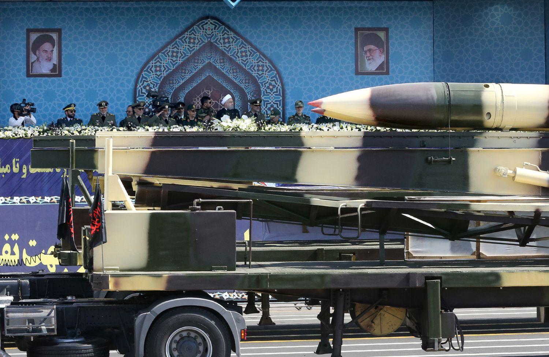 Iranas skelbia išbandęs raketą