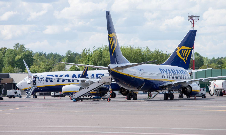 """""""Ryanair"""" atšaukiami skrydžiai paveiks 400.000 keleivių"""