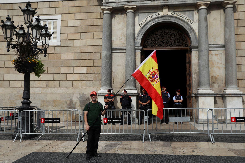 Ispanijos policija užėmė dalį balsavimo vietų Katalonijoje