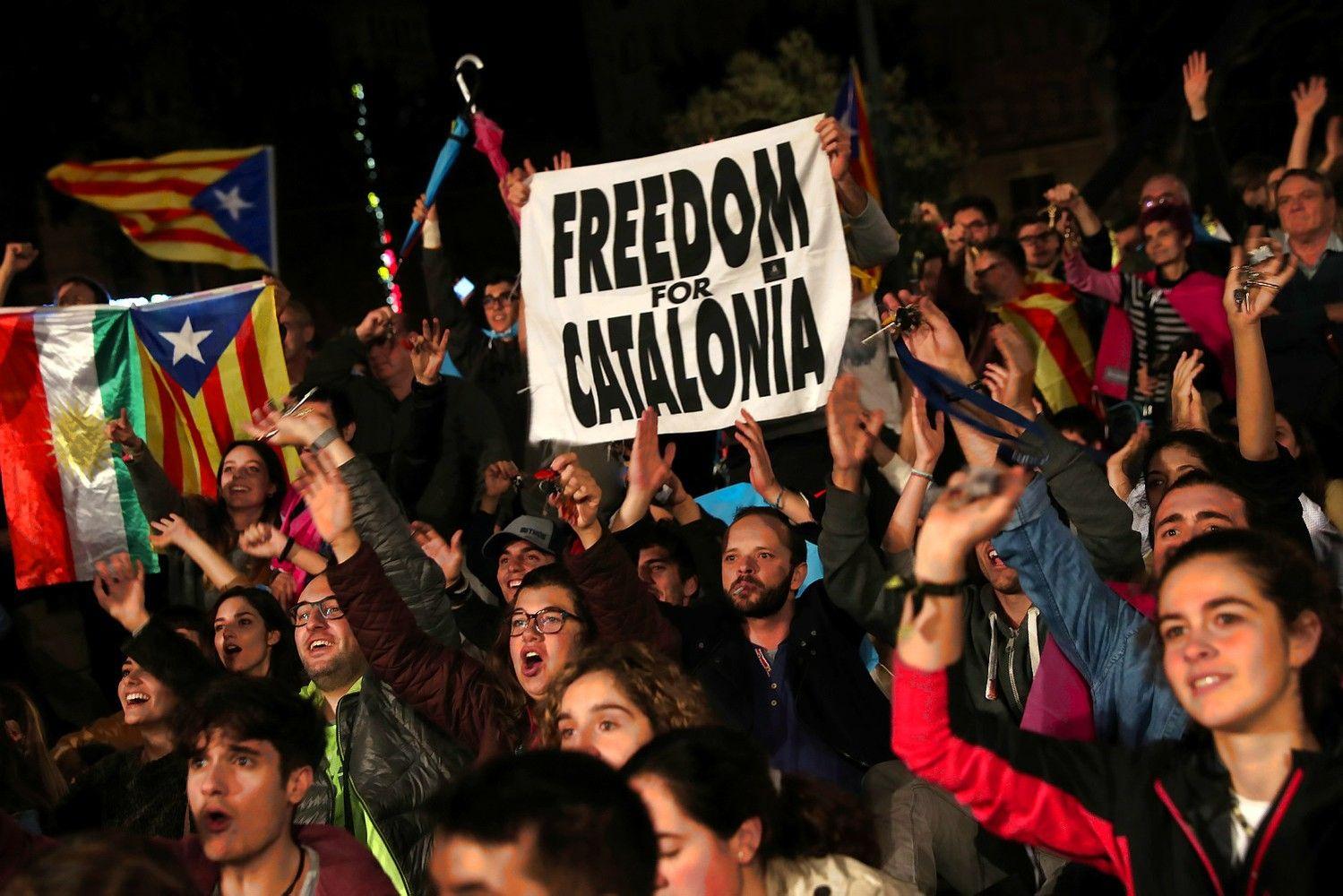 Po balsavimo Katalonijoje nežymiai pinga euras