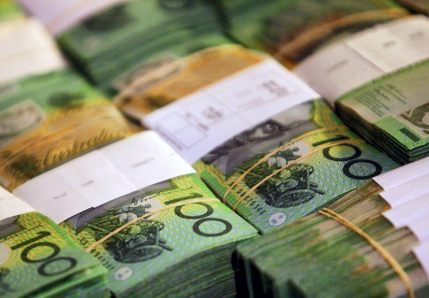 Aussie Drops in Listless Asia Trading; Stocks Flat: Markets Wrap
