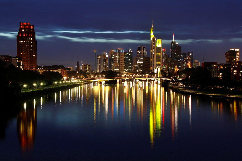 """Volstrito bankai dėl """"Brexit"""" sparčiai plečiasi Frankfurte"""