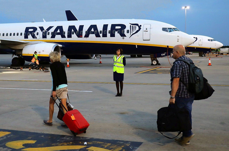 """Po tūkstančių atšauktų skrydžių –vieno iš""""Ryanair"""" vadovų pasitraukimas"""