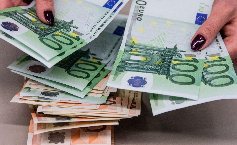 Bankų sektoriaus tendencijos: uždirba ir iš mažų palūkanų