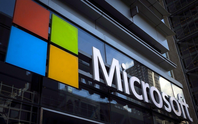 """Kryme veikiančiosįmonės, nepaisant sankcijų,įsigijo """"Microsoft"""" produkcijos"""