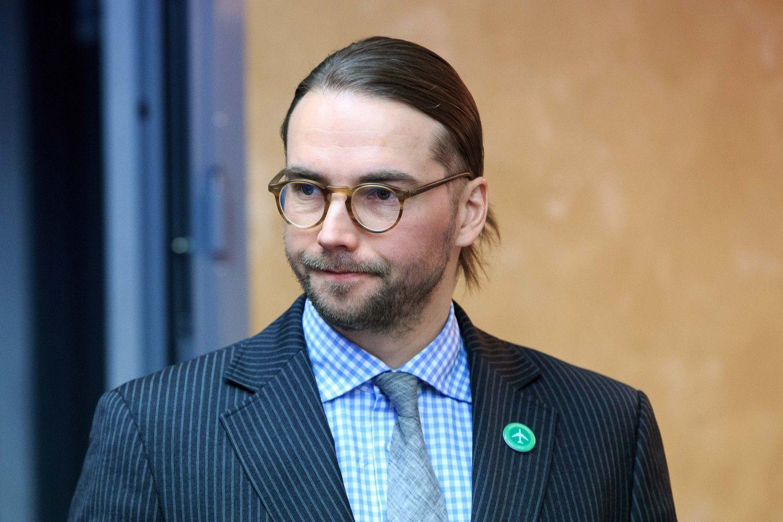Ieškomas naujas Lietuvos oro uostų vadovas