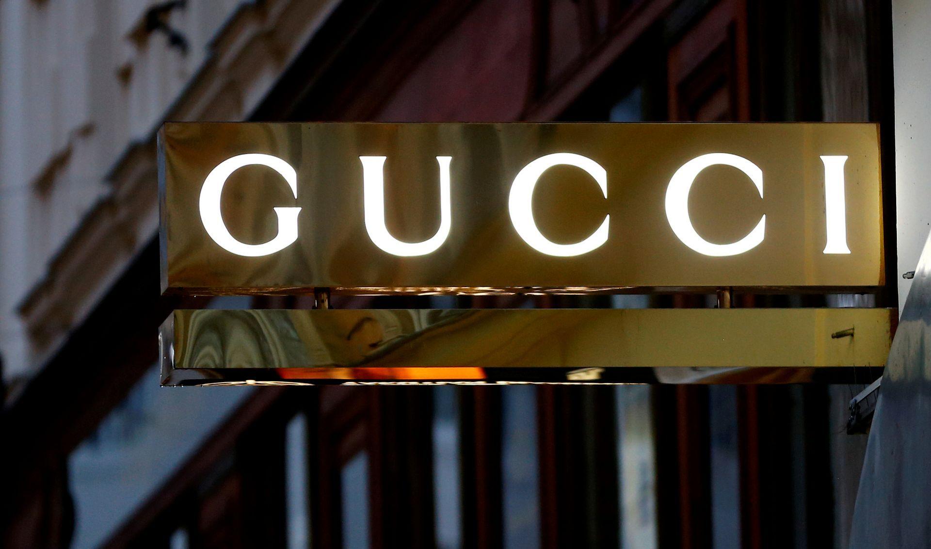 """""""Gucci"""" atsisako kailių"""