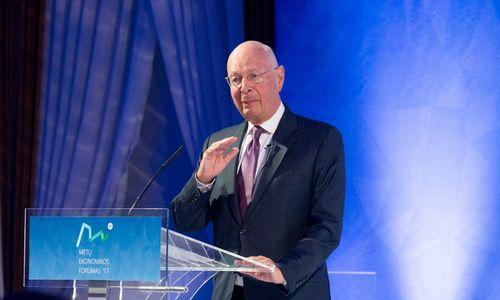 Pasaulio ekonomikos forumo steigėjas: vyksta įvairių technologinių lūžių kombinacija