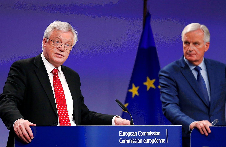"""Barnier: """"Brexit"""" derybos kol kas yra aklavietėje"""