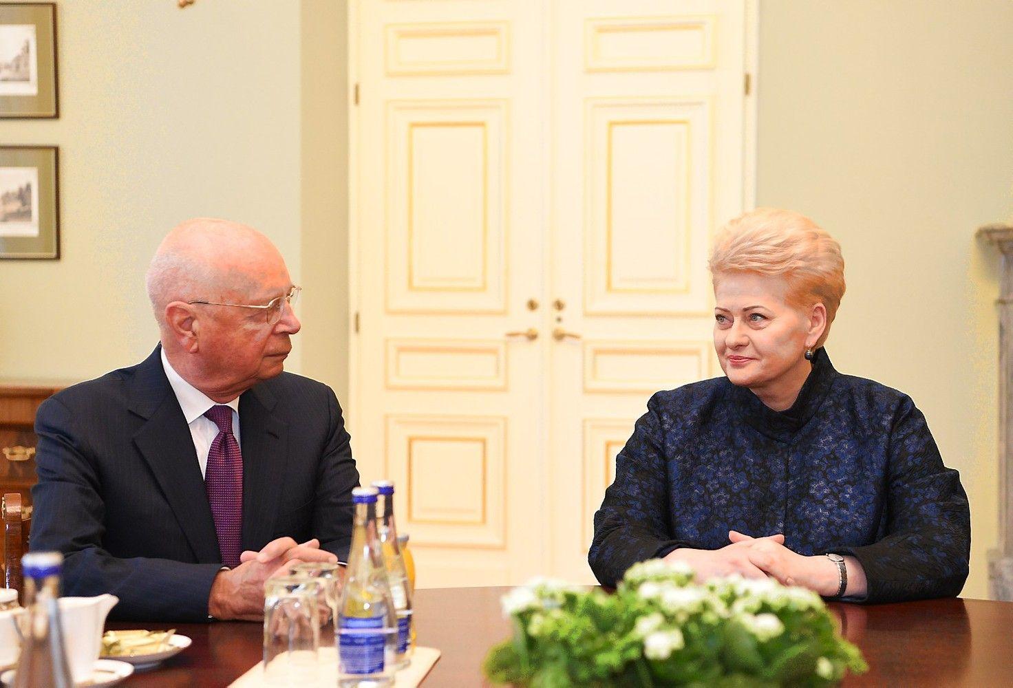 Lietuvos prezidentė pakviesta į kitų metų Davoso forumą