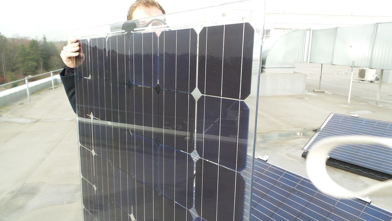 """""""SoliTek"""" pradeda dvipusių saulės modulių gamybą"""