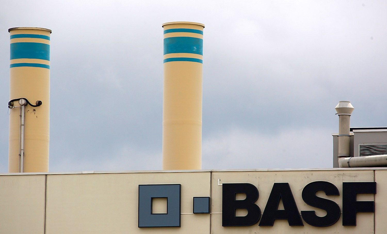 """BASF už beveik 6 mlrd. Eur perka """"Bayer"""" sėklų ir herbicidų verslą"""