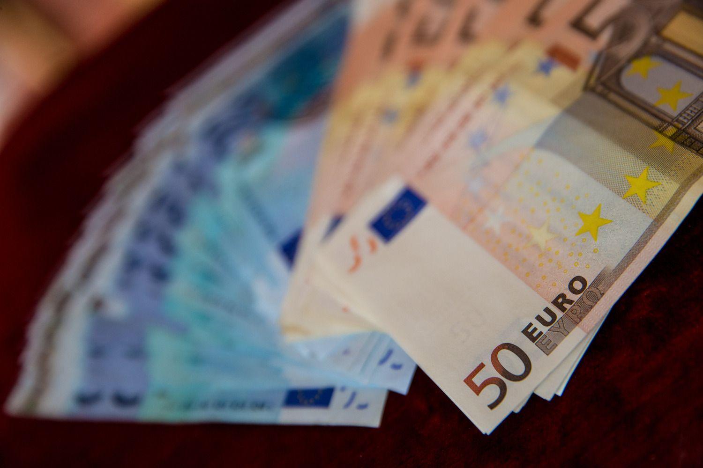 VŽ paaiškina: kaip valstybės biudžeto deficitas tampa biudžeto pertekliumi