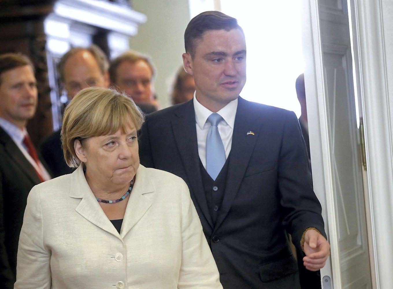 Buvęs Estijos premjeras Roivastraukiasi dėl seksualinio priekabiavimo skandalo