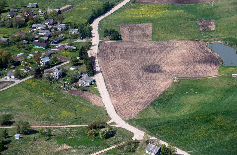 EK paskelbė gaires dėl žemės ūkio paskirties žemės pardavimo