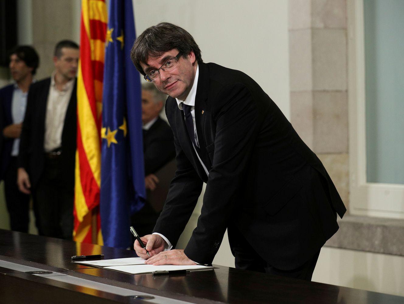 """Katalonijos lyderio laiškas Ispanijos premjerui: nepriklausomybės klausimas lieka """"pakibęs"""""""