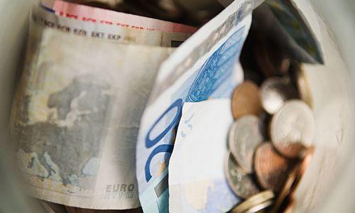 Pasirašytas trišalis susitarimas: algų kėlimas ir darbo mokesčių mažinimas