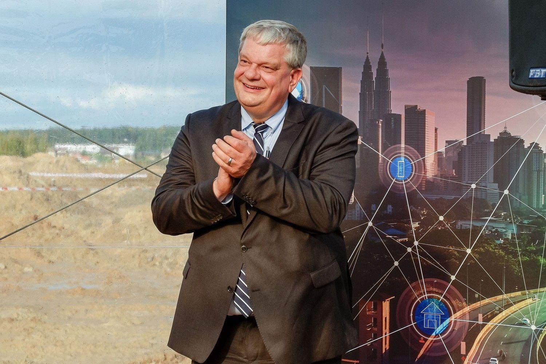 """Interviu su """"Hella"""": gamykla Kaune – tik pirmoji automobilių pramonės kregždė"""
