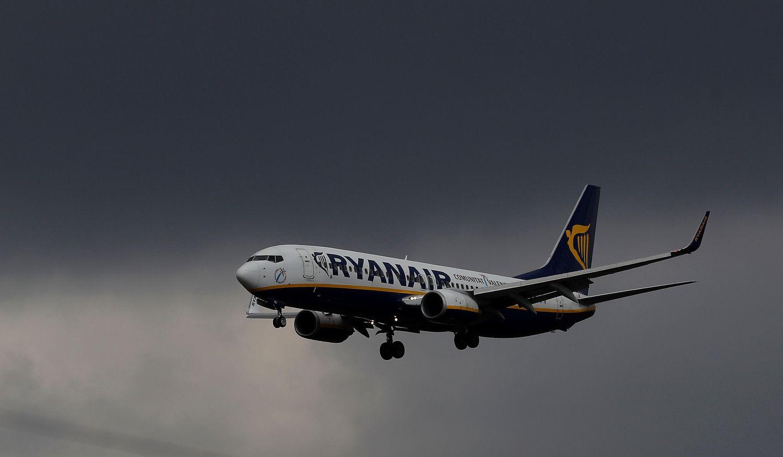 Normalizuojasi uragano sutrikdyta Airijos ir Britanijostransporto veikla