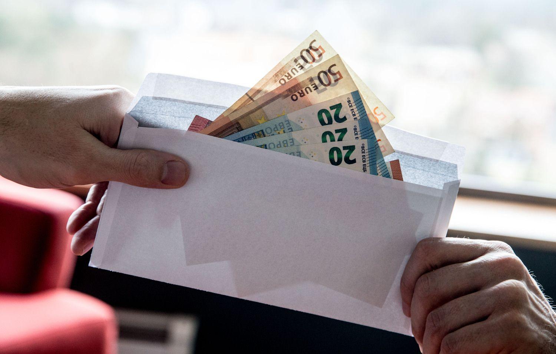 Įmonės sumoka per daug mokesčių, nes dubliuoja pajamas