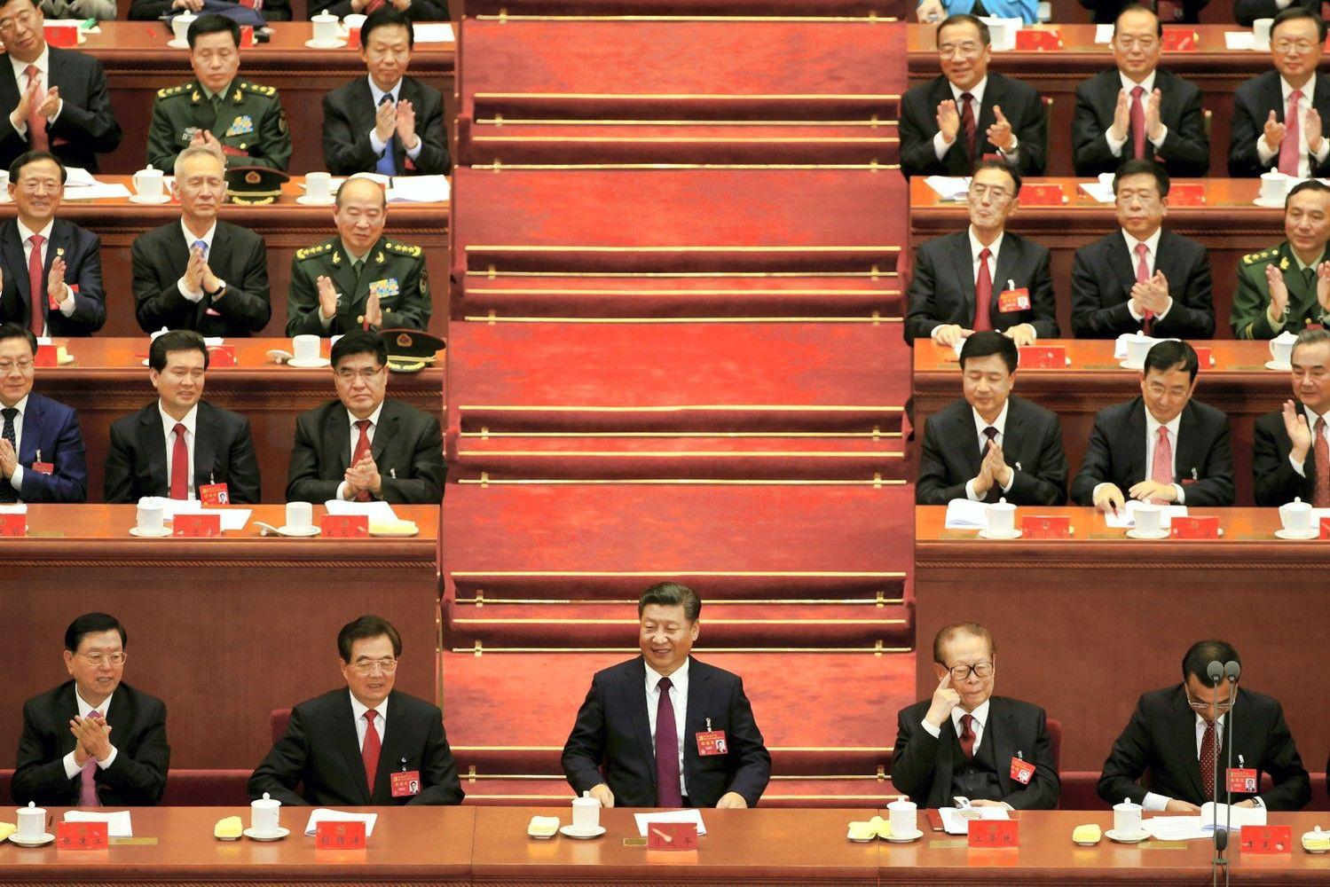 Xi Jinpingui siekiant sustiprinti savo galią – palankios ekonomikos naujienos