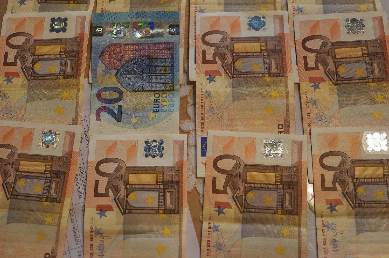 Vienas banko darbuotojas Lietuvoje sukuria 70.000 Eur vertės