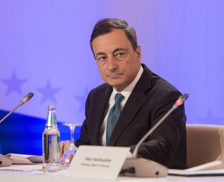 ECB mažins obligacijų supirkimo programą