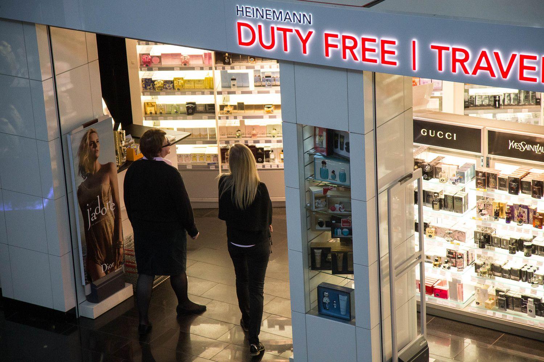 """Vilniaus oro uoste – konkursas naujam """"duty free"""" parduotuvių operatoriui atrinkti"""