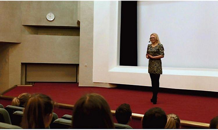 Pirmasis Lietuvoje efektyviausio užsienio kalbų mokymosi Litexpo renginys. 2015m. Virš 1000 dalyvių.