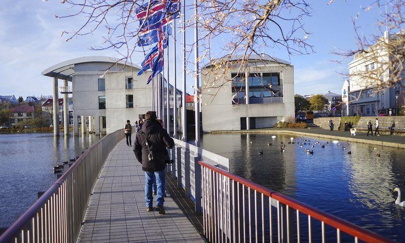 """Islandijoje vyksta priešlaikiniai rinkimai. """"Reuters"""" / """"Scanpix"""" nuotr."""