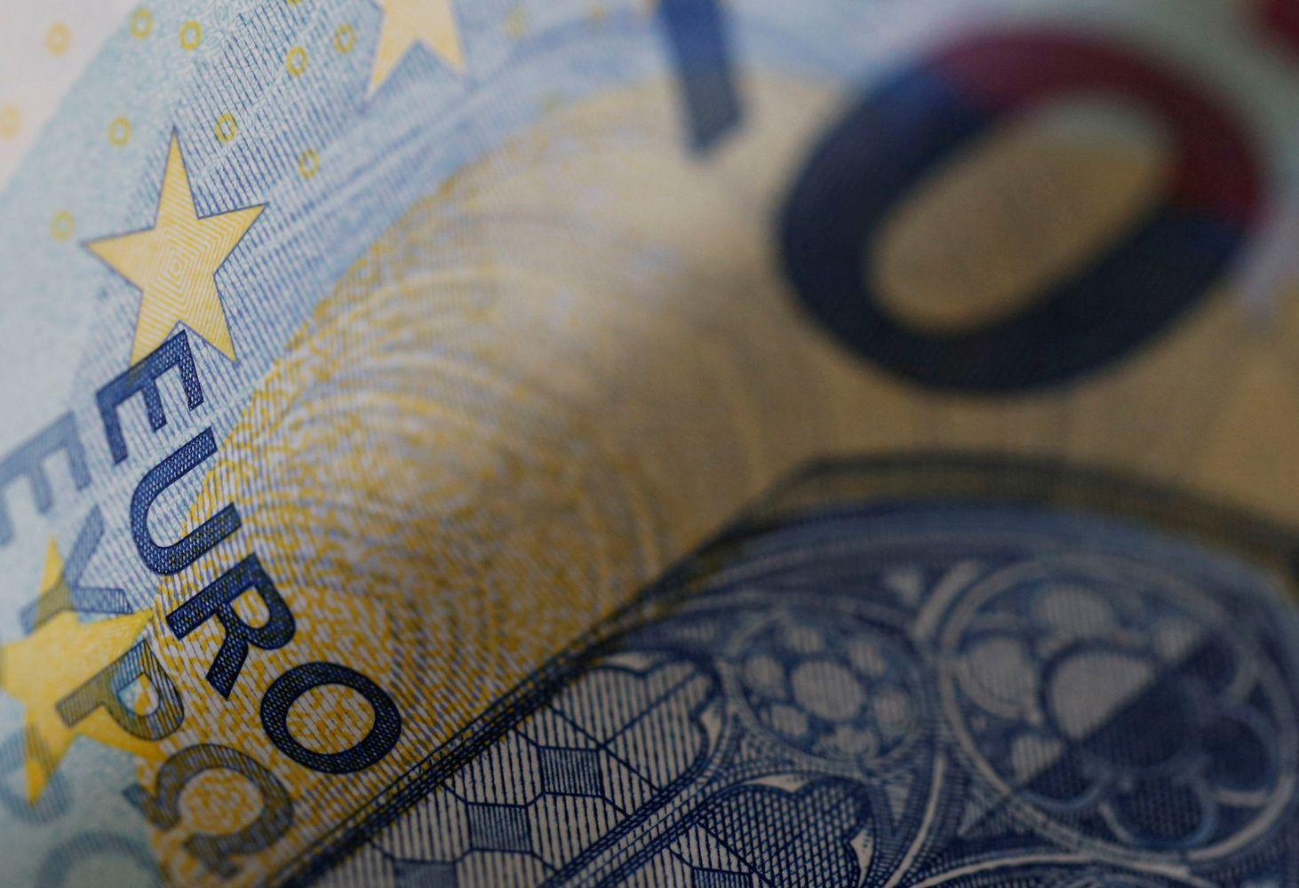 Euro zonos BVP ir nedarbo rodikliai nenuvylė, infliacija netikėtai atslūgo