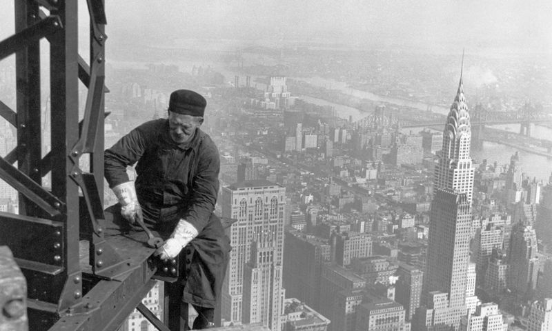 Pirmasis dangoraižis Sinsinatyje, JAV, 1903 m. Wikipedia.