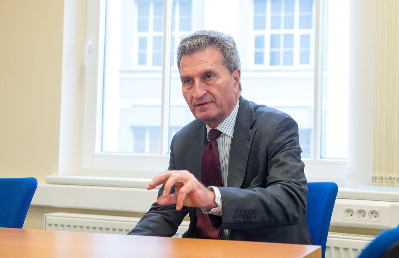 Oettingeris: Europos Komisija visiškai rami dėl Lietuvos viešųjų finansų
